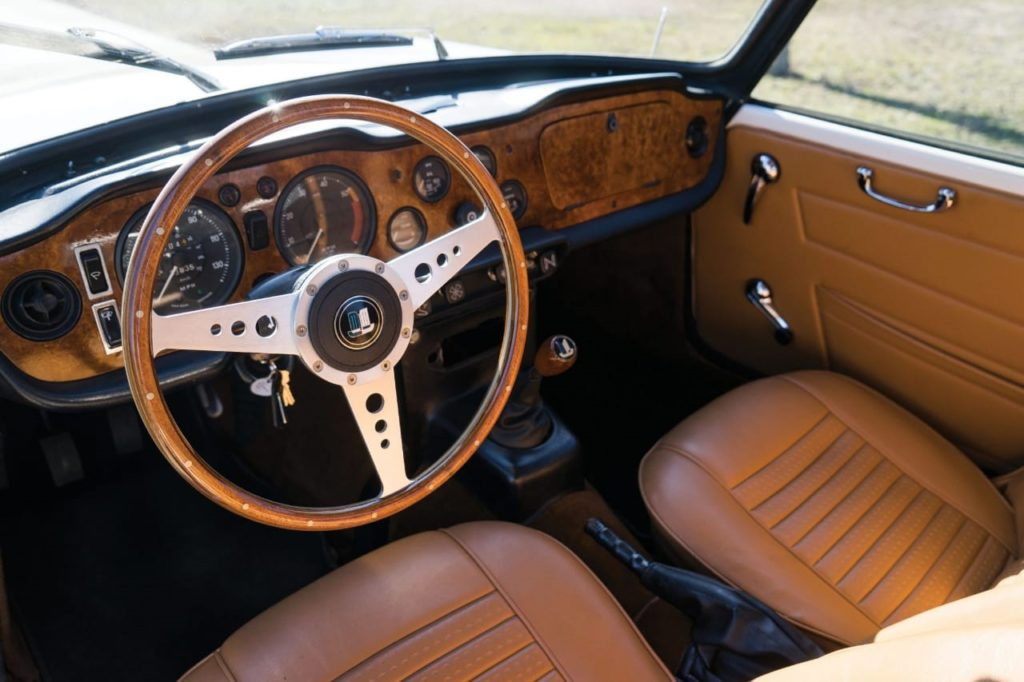 Steering Wheel on a car sample image