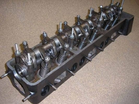Overhead Valve (OHV) Cylinder Head Type Image