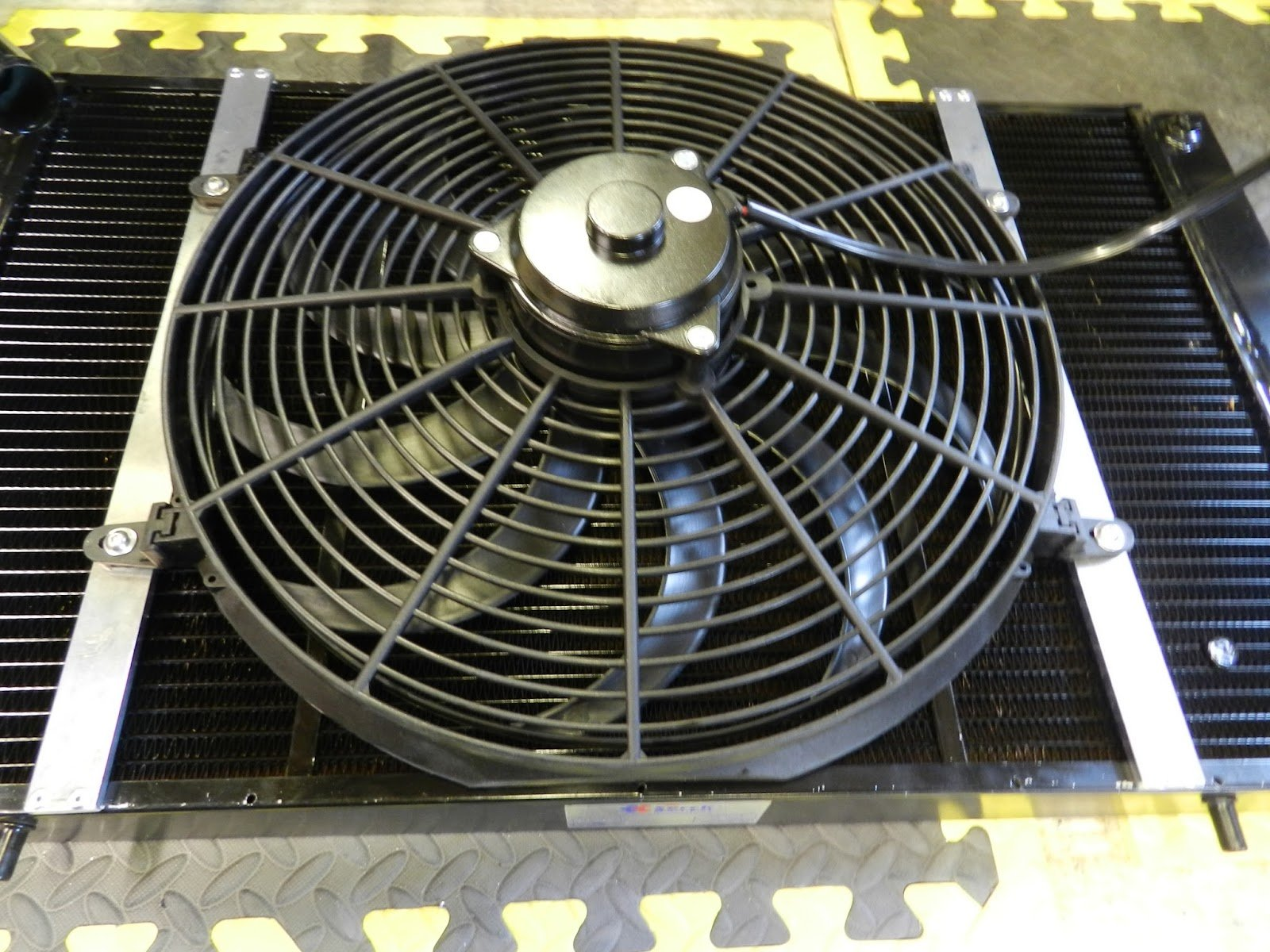 engine fan replacement requires no special tools