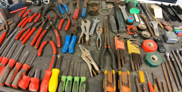 must have automotive tools include the commonly used types